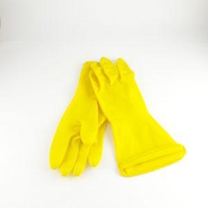 Guante amarillo para aseo.
