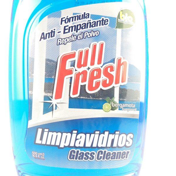 Limpia vidrios con atomizador.