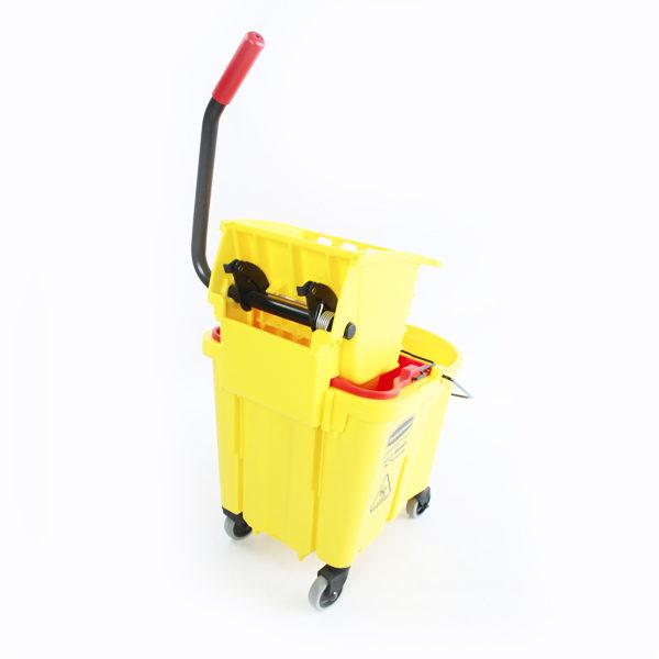 Balde escurridor con ruedas color amarillo rubbermaid barranquilla