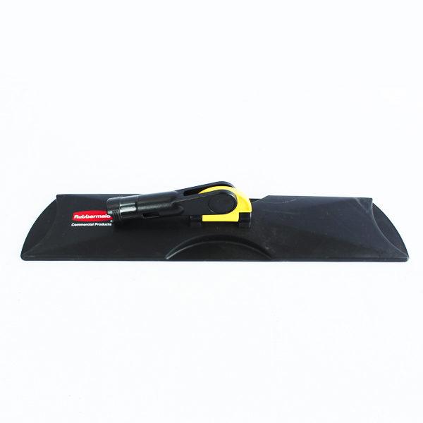 armazon plástico con sistema de conexión al mango rubbermaid