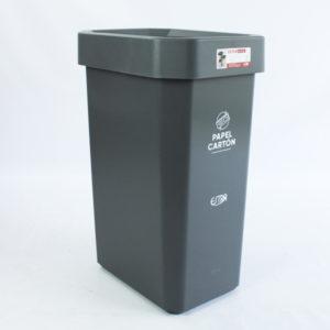 Papeleras color gris para reciclar papel y cartón marca estra barranquilla