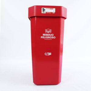 Papeleras plásticas rojas para reciclar residuos peligrosos estra